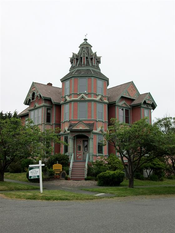 The Inn On Holly Bed And Breakfast